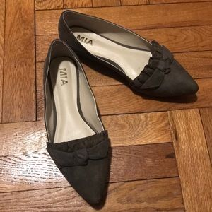 Olive Green Jeanette MIA Flats Size 8.5